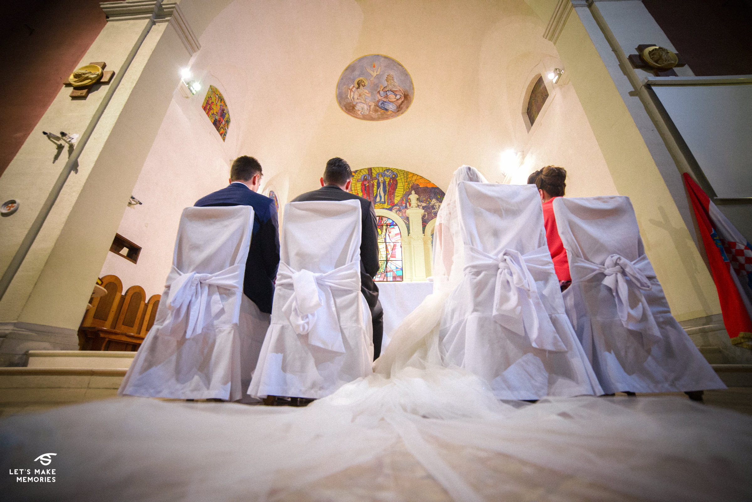 wide angle low shot with veil in the first plan