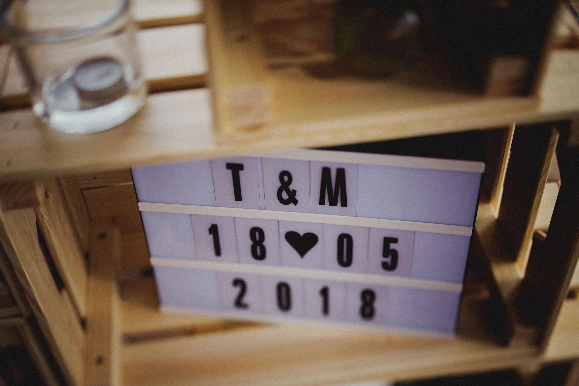 tamara and mislav love sign