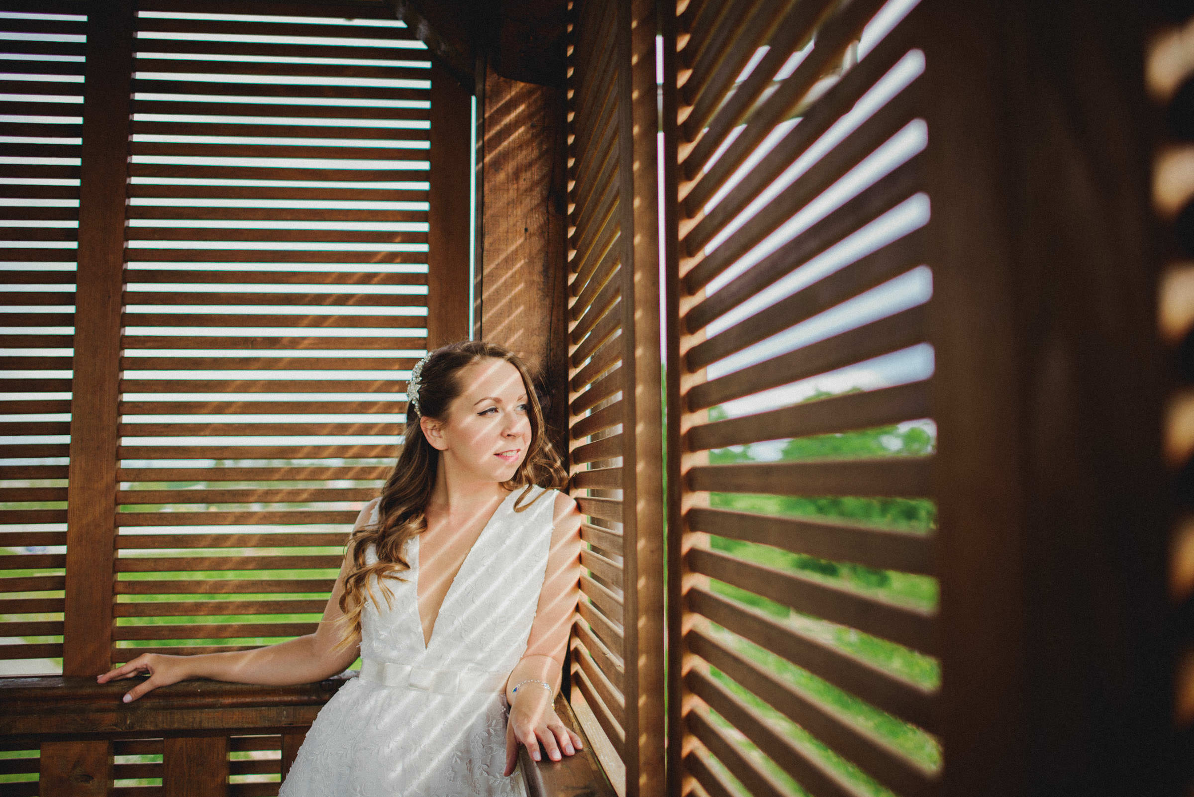 bridal portrait in amazing strip lighting codnitions