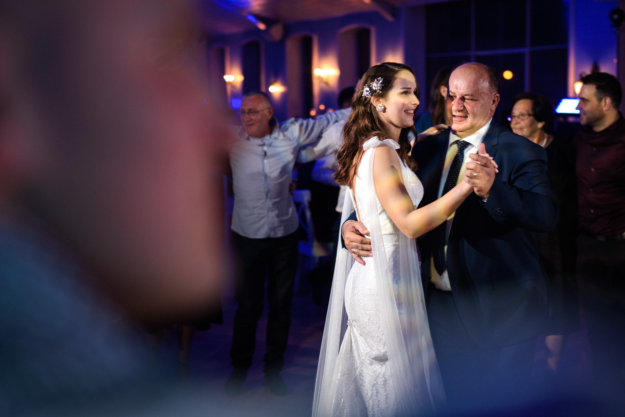 bride and her father dancing to the music in the middle fo dance floor of the Heart by Lido restaurant on Jarun in Zagreb